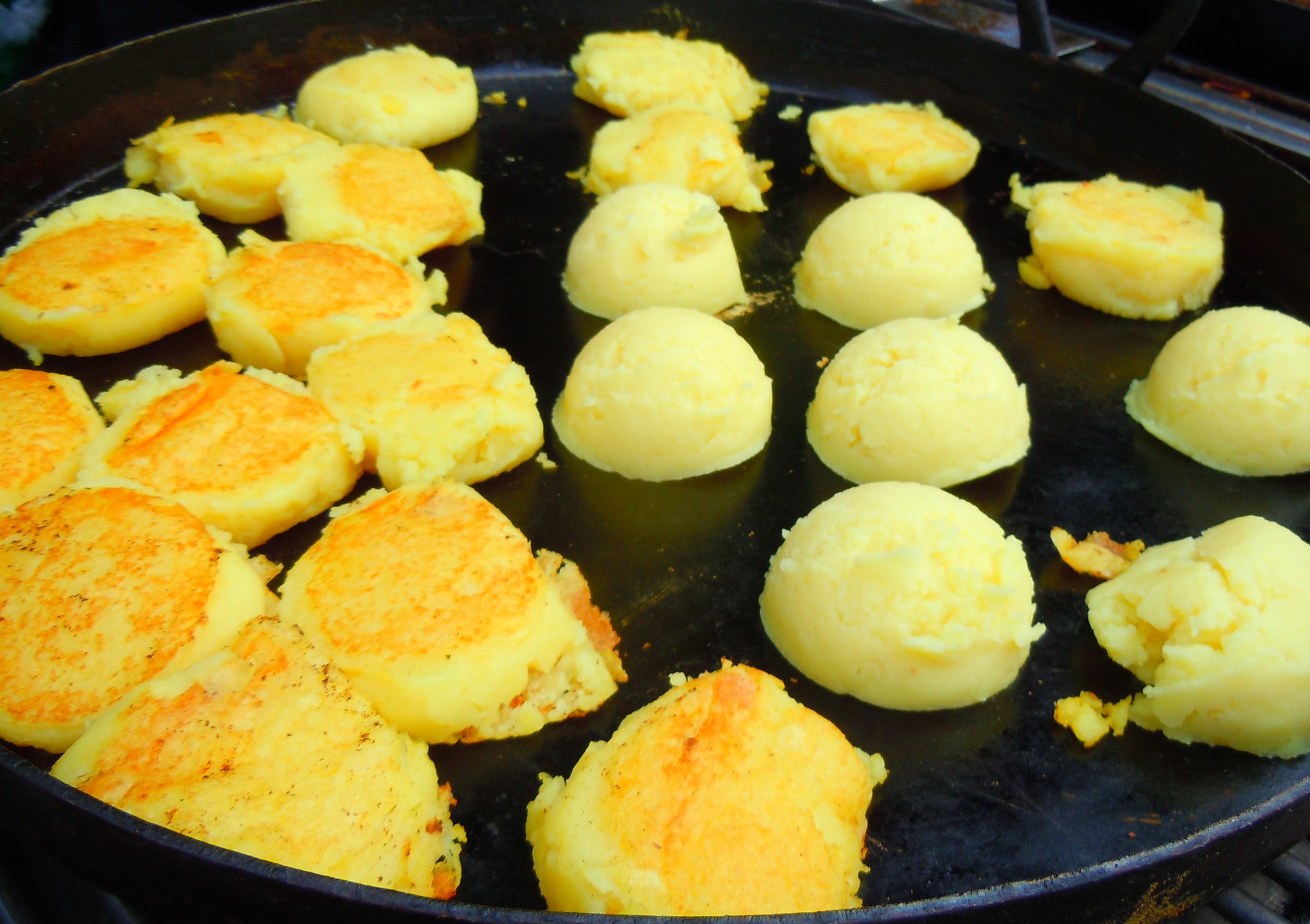 ... Tasty Thursdays! Cornbread, Pulled Pork, and Cornmeal Mashed Potatoes