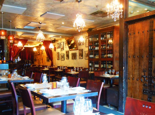 La Vecchia dining room in Yonge and Eglinton